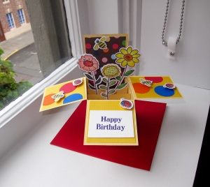 Spring flowers burst out of this card-in-a-box!